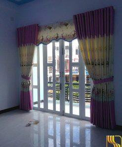 màn rèm màu kem hồng phòng khách