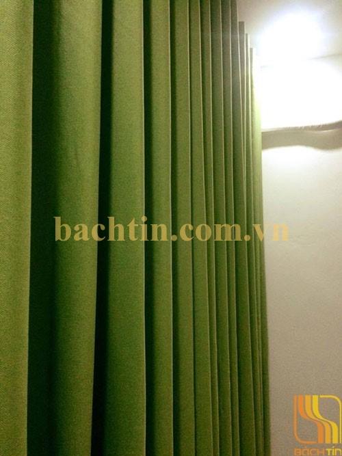 Rèm vải phòng khách chung cư màu xanh