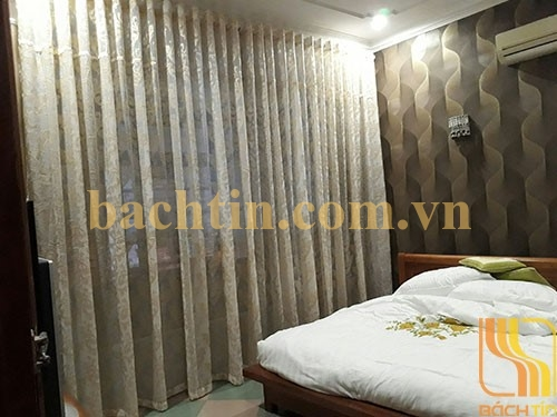 Rèm vải voan hoa trang trí phòng ngủ