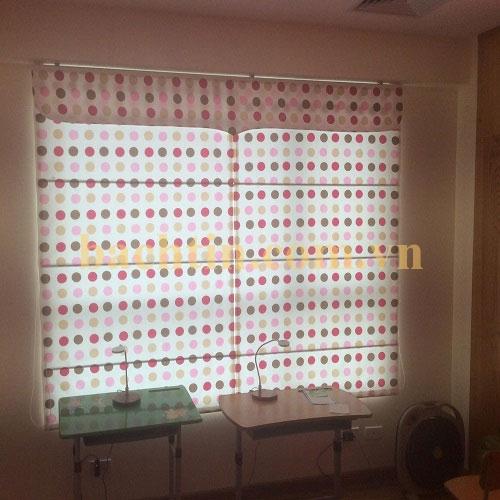 rèm roman cửa sổ xếp hoa văn đẹp