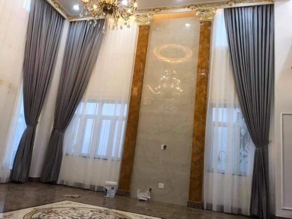 rèm thông tầng phòng khách