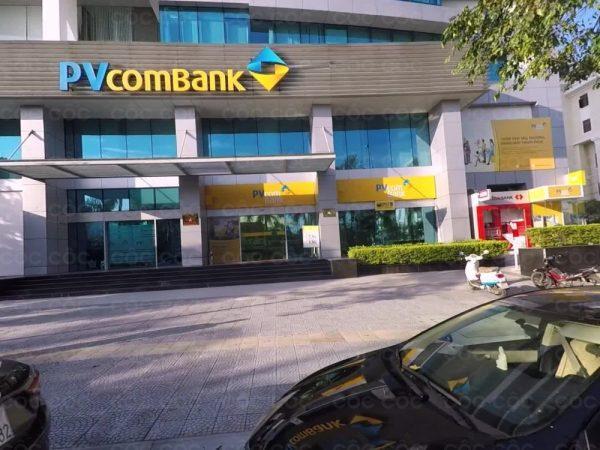 lắp rèm lá cho tòa nhà PVcombank